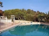 in toller Pool-Villa Les Rastines
