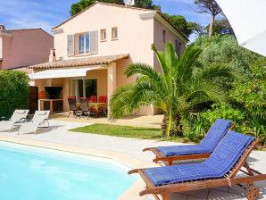 Ferienhaus mit privatem Pool und strandnah in Les Issambres