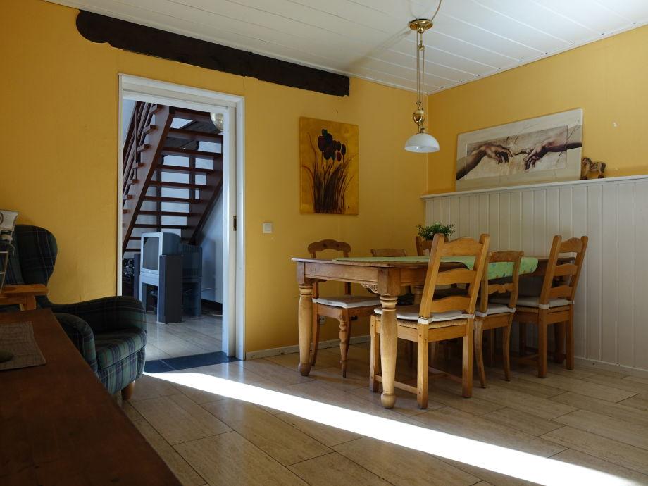 Niedlich Küche Und Esszimmer Durch Das Fenster Passieren Bilder ...