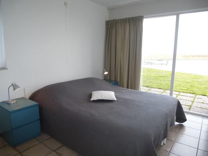 bungalow am strand mit kamin zeeland kamperland firma. Black Bedroom Furniture Sets. Home Design Ideas