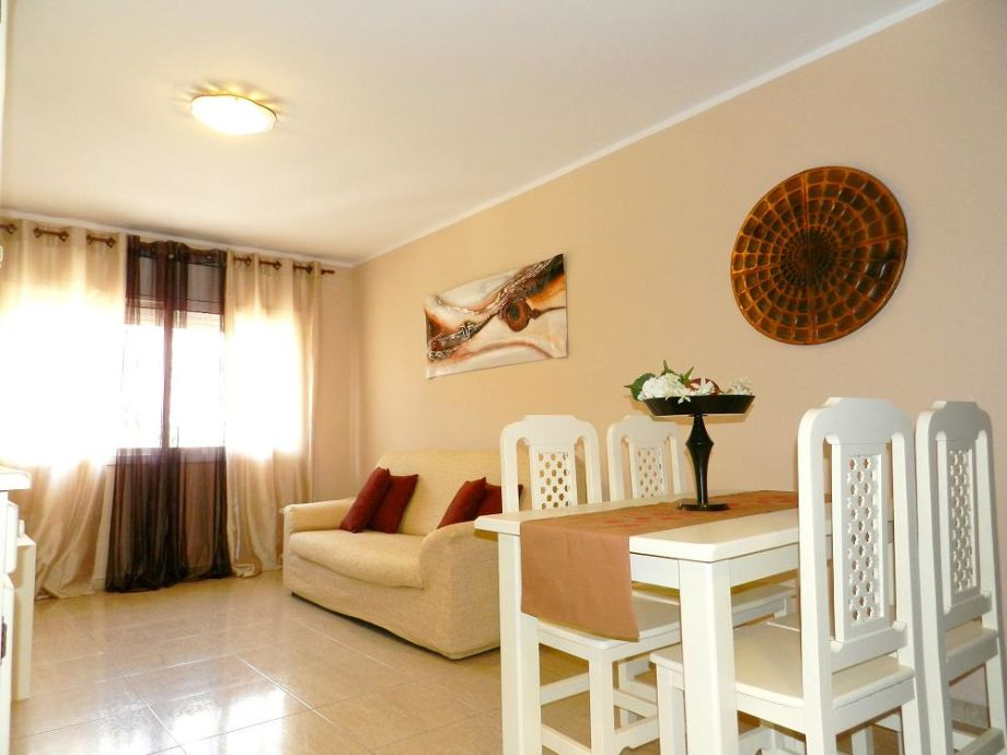 ferienwohnung c2 016 pineda de mar catalunia firma. Black Bedroom Furniture Sets. Home Design Ideas
