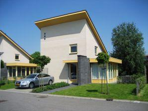 Ferienhaus Wasservilla Koudum