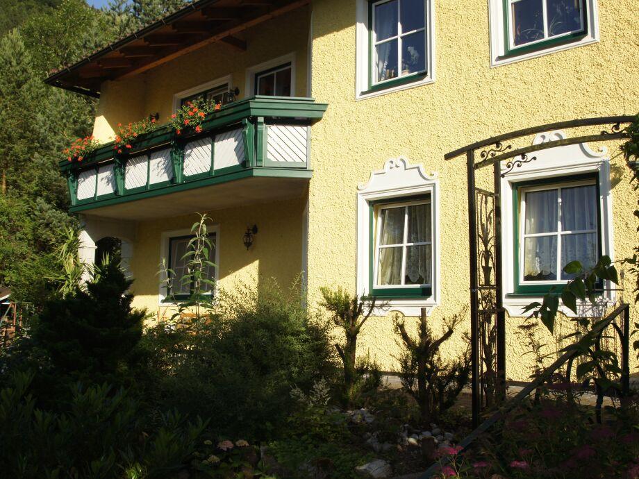 Terrasse und Ferienwohnung