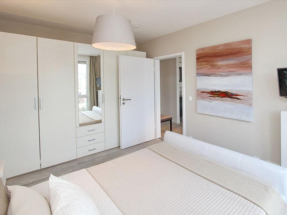 ferienwohnung ocean 12 l becker bucht timmendorfer strand firma b bs appartements herr. Black Bedroom Furniture Sets. Home Design Ideas