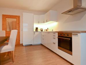 Apartment Höll 2
