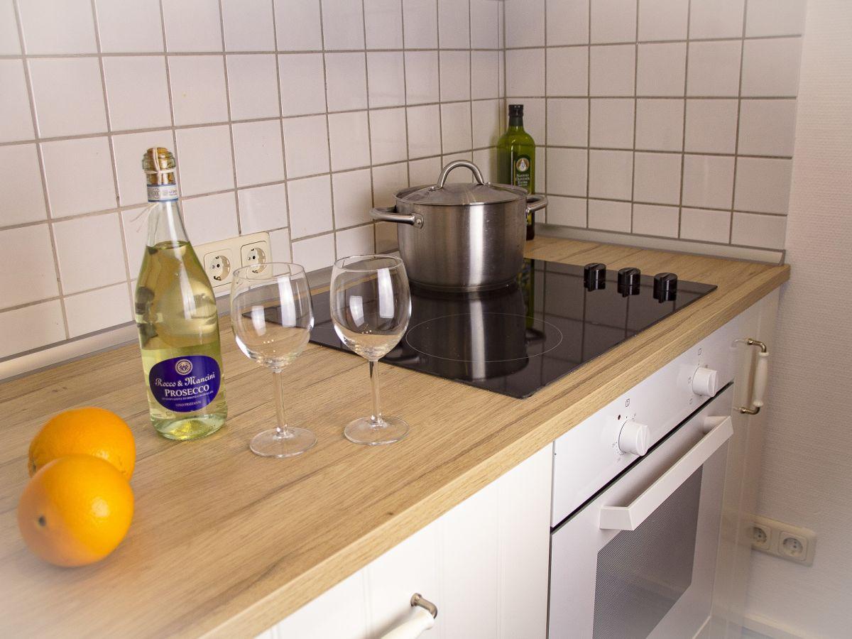 ferienhaus romantisches fachwerkhaus l neburger heide. Black Bedroom Furniture Sets. Home Design Ideas