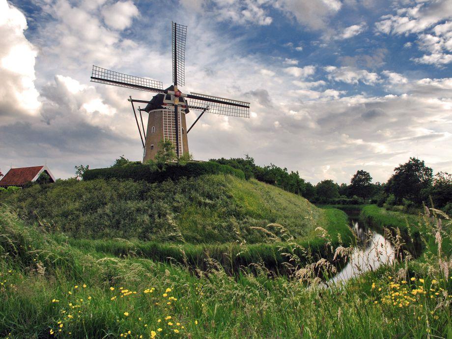 Einmalig: die Mühle De Haan und das Nebengebäude