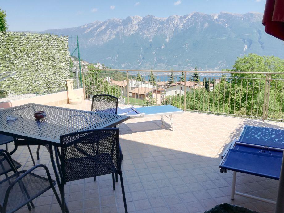 Terrasse Castagento mit Monte Baldo