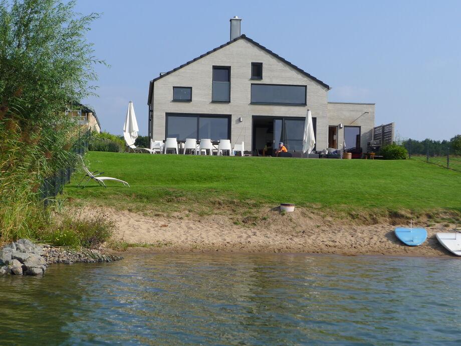 "Haus am See ""Nordic"" mit Privatstrand"