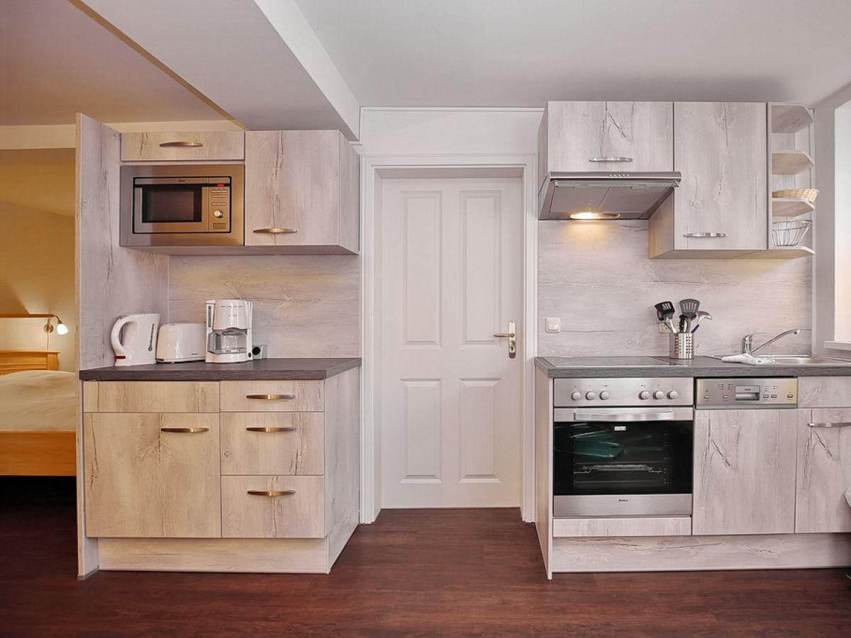 k chenzeile 4 meter nobilia musterk che junge moderne k. Black Bedroom Furniture Sets. Home Design Ideas