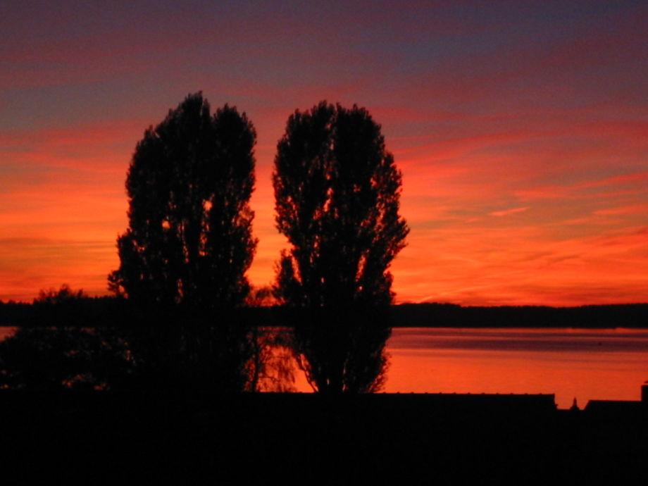 Abendrot im Sommer, der Blick von den Balkonen