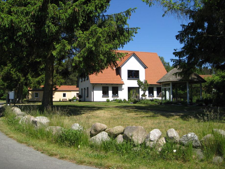 Ferienwohnungen Landhaus Schack