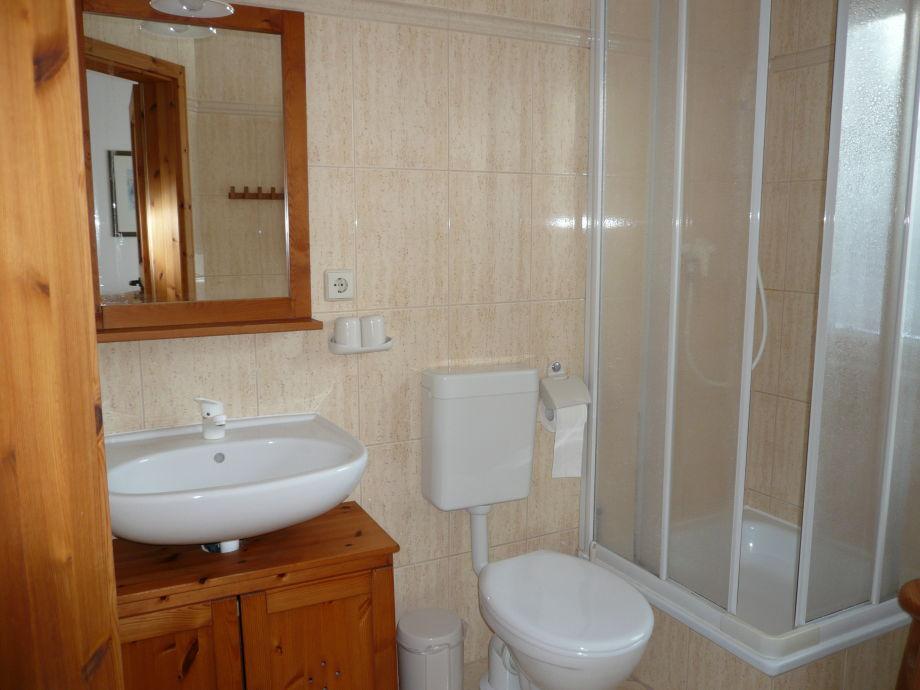 dusche direkt vor dem fenster: badplanung kleines bad unter m², Hause ideen