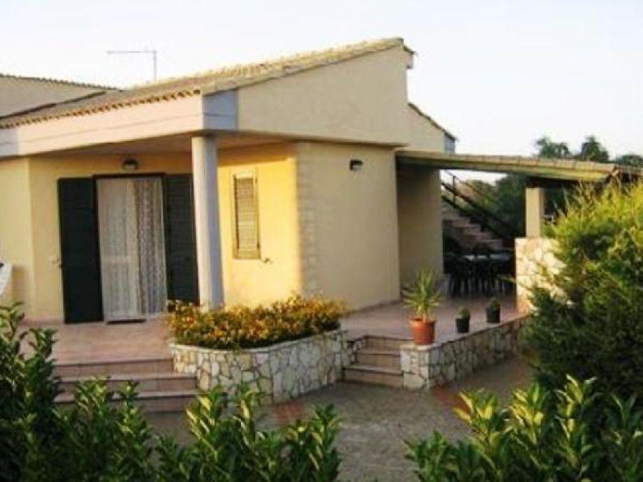 Außenaufnahme Villa Campofelice di Roccella