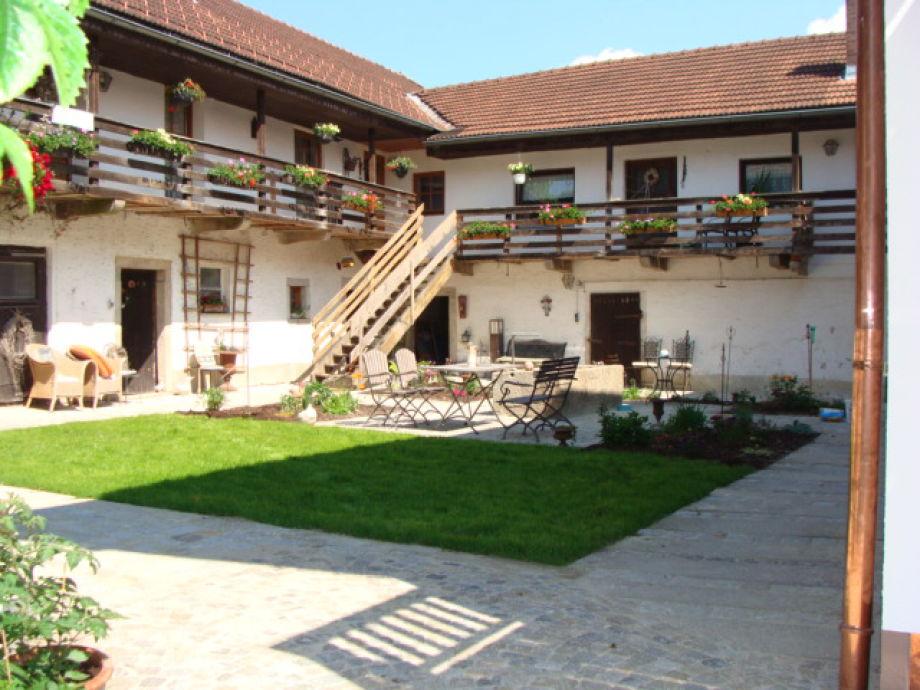 Innenhof mit Ferienwohnung