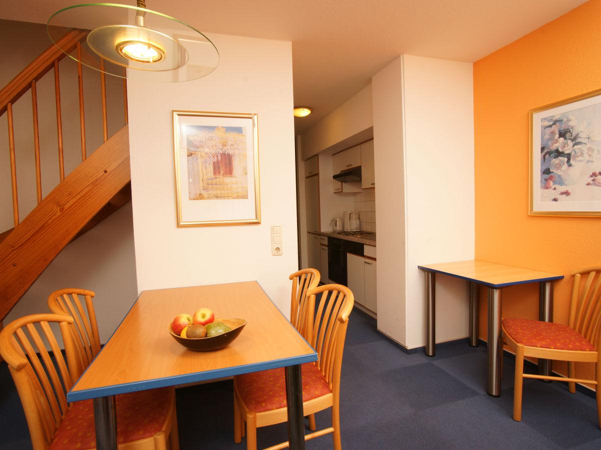 Ferienwohnung 6 im feriendorf papillon ostsee for Wohnzimmer mit esstisch