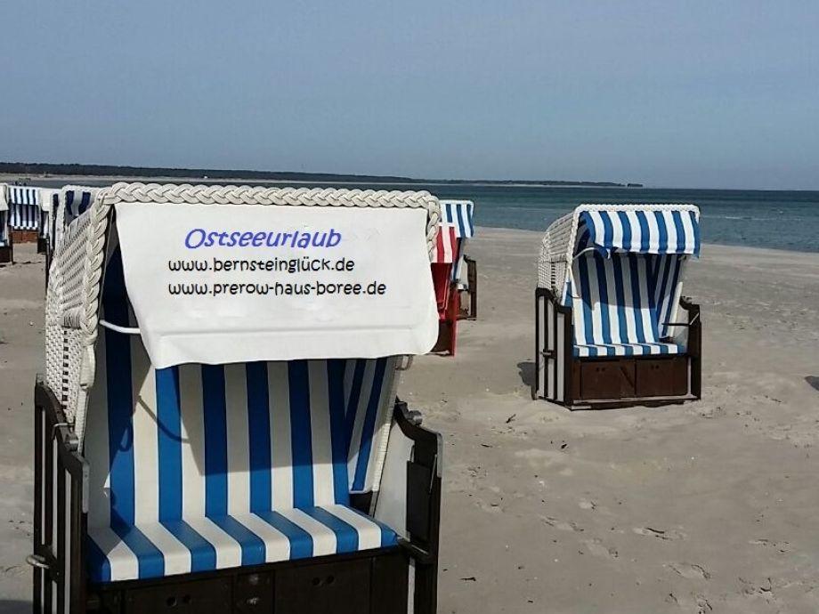 Nordstrand mit Strandkorb