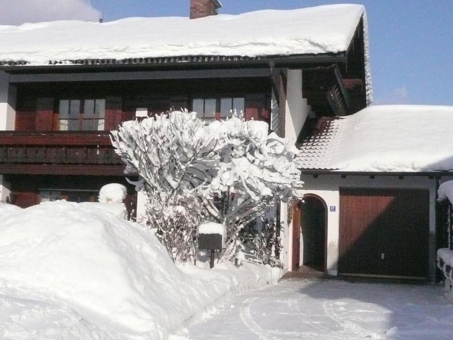 Südansicht im Winter