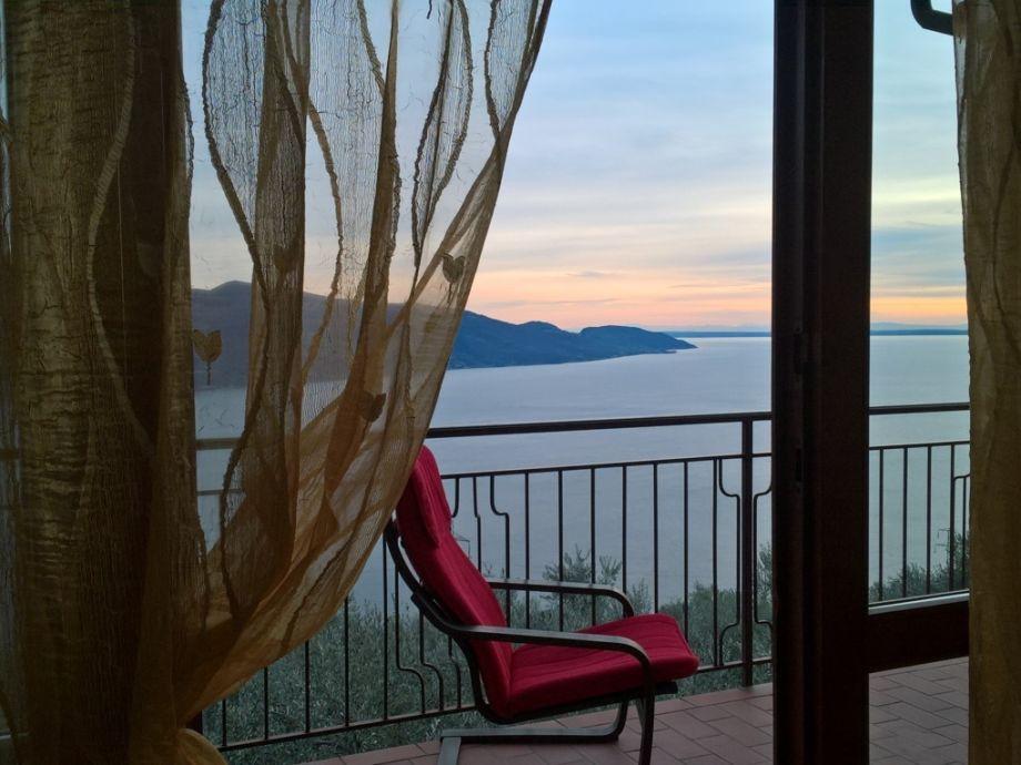 Wündeschöne Panoramasicht vom Gardasee