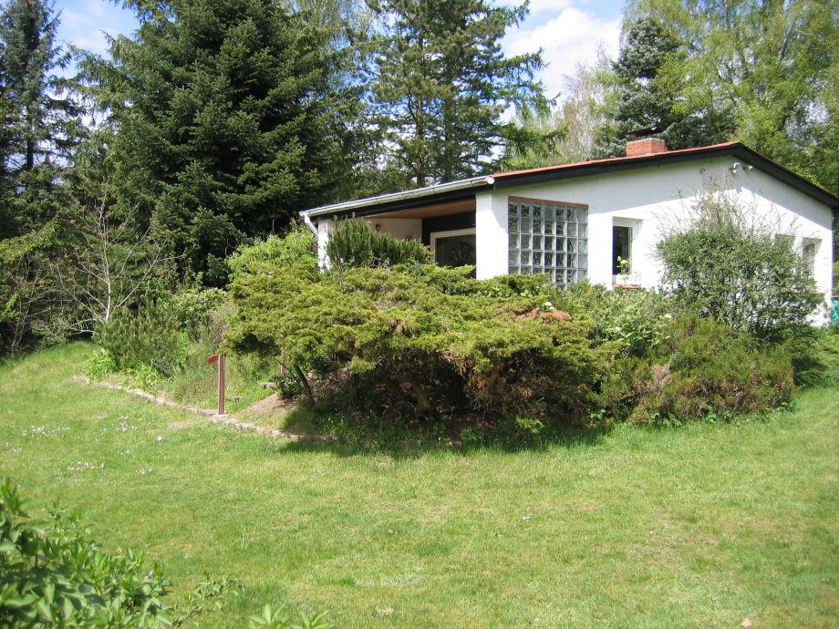 Seitenaufnahme mit Terrasse