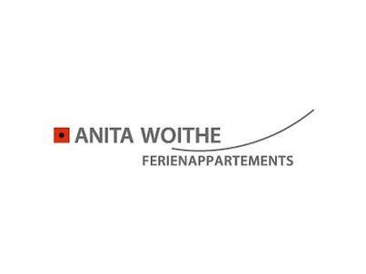 Your host Anita Woithe
