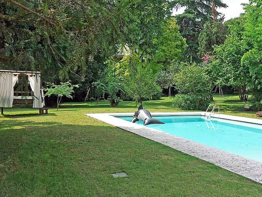 villa paradiso gardasee hinterland botticino firma ferienappartement vermittlung frau. Black Bedroom Furniture Sets. Home Design Ideas