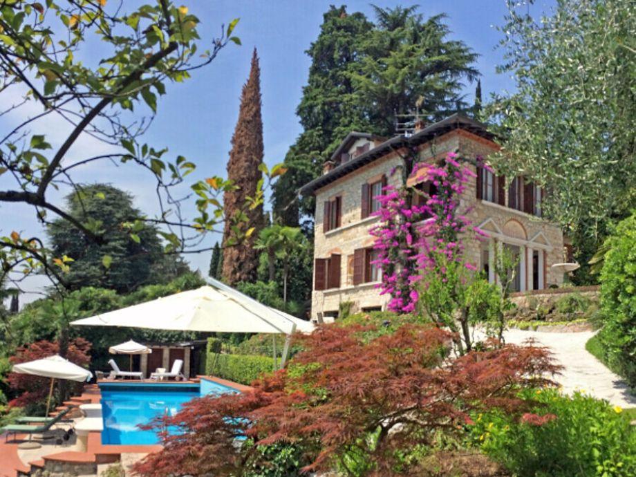 Gardone Riviera - Villa Umberto - Ihr Urlaub am Gardasee - Ferienwohnung, Ferienhaus, Appartement auf www.gardaseeappartements.com