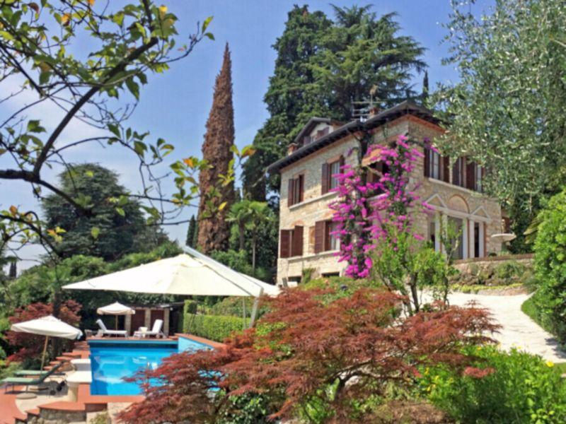 Villa Umberto - Urlaub im Märchenschloss