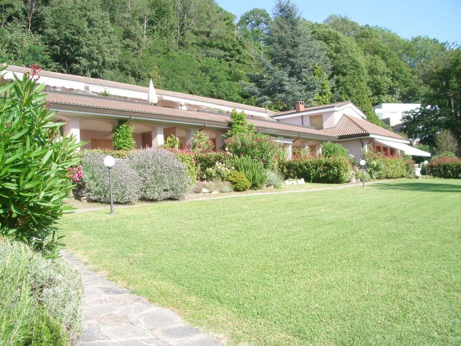 Rasenfläche in der Anlage Le Fornaci