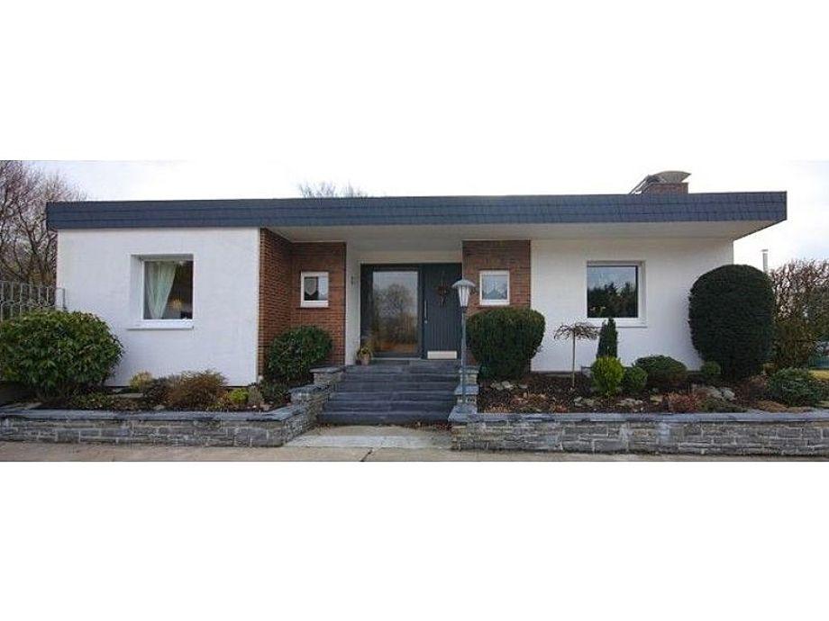 bungalow renate eifel nordrhein westfalen firma rodertouristik familie elmar und karin roder. Black Bedroom Furniture Sets. Home Design Ideas