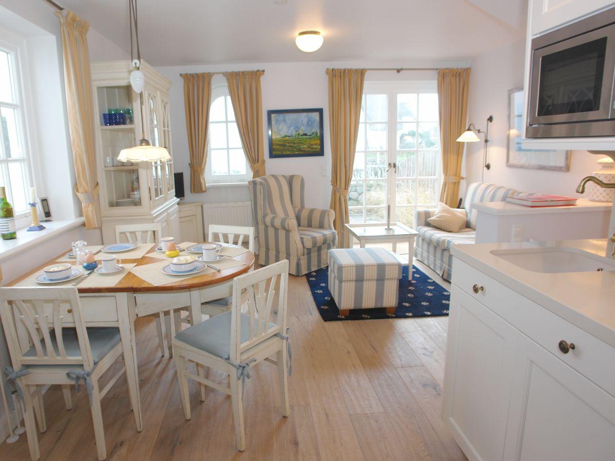 ferienwohnung 3 warfth s rantum firma apartment vermietung rose rose frau uta evers. Black Bedroom Furniture Sets. Home Design Ideas