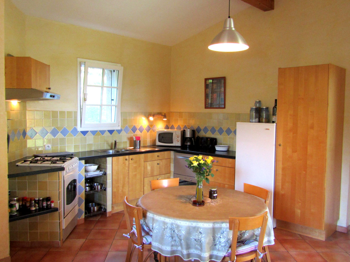 ferienhaus auf dem land les oliviers provence gard camargue familie heidrun luc. Black Bedroom Furniture Sets. Home Design Ideas