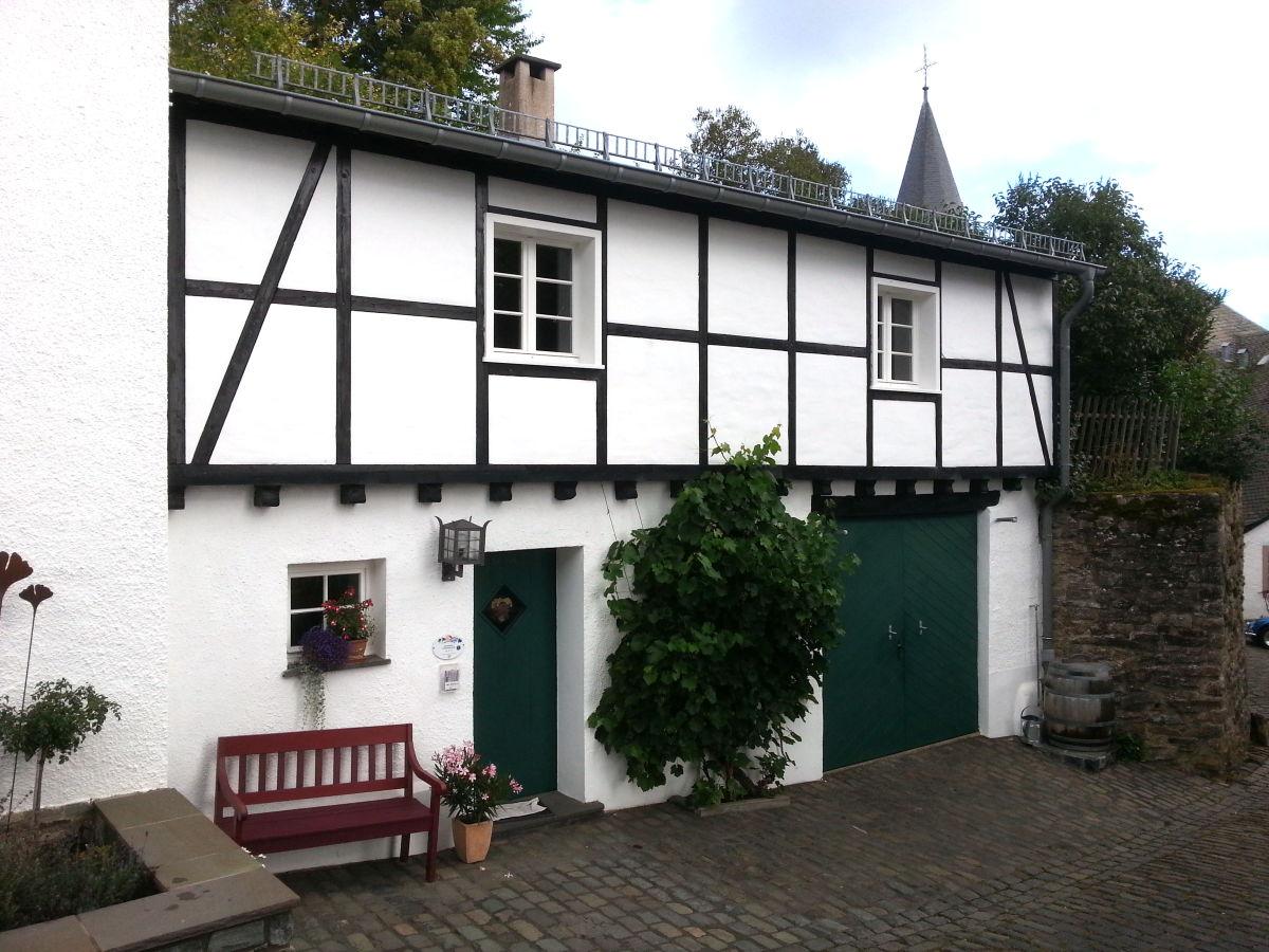 ferienhaus pfarrs lchen kronenburg nordrhein westfalen nordeifel kronenburg frau rita esch. Black Bedroom Furniture Sets. Home Design Ideas
