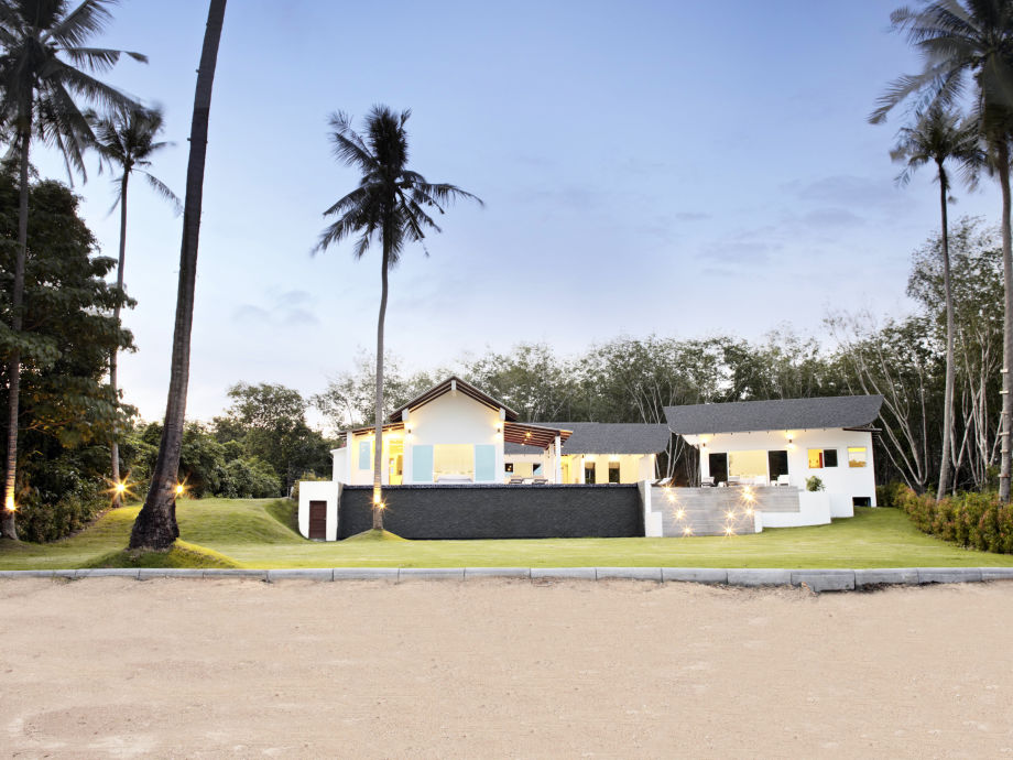 The Beach House liegt direkt an einem privaten Strand