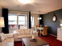 Geräumiges Apartment Hof mit Balkon/Terrasse, Ameland