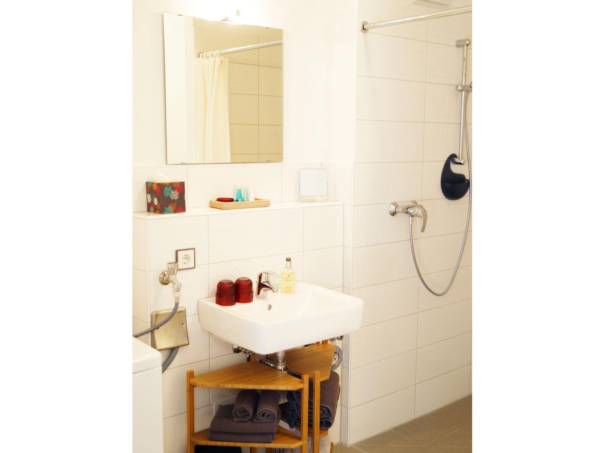 ferienwohnung villa am schwanenteich schleswig holstein ostsee insel fehmarn burg frau rita. Black Bedroom Furniture Sets. Home Design Ideas