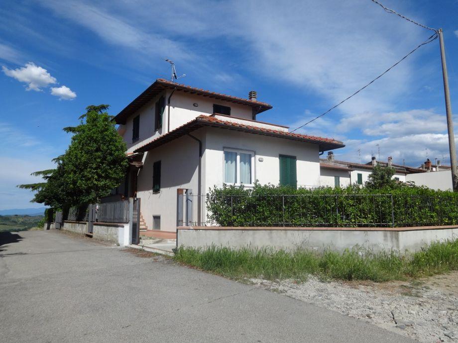 Villa Stefano - von der Straße aus