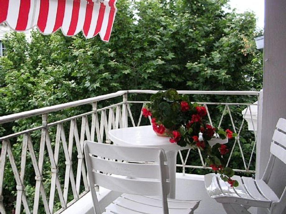 2 Balkone gehören zu diesem Apartment