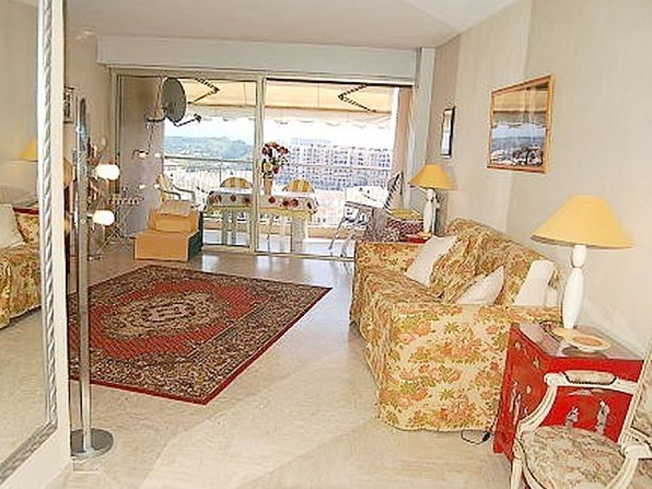 apartment in der residence cannes la marina cannes. Black Bedroom Furniture Sets. Home Design Ideas