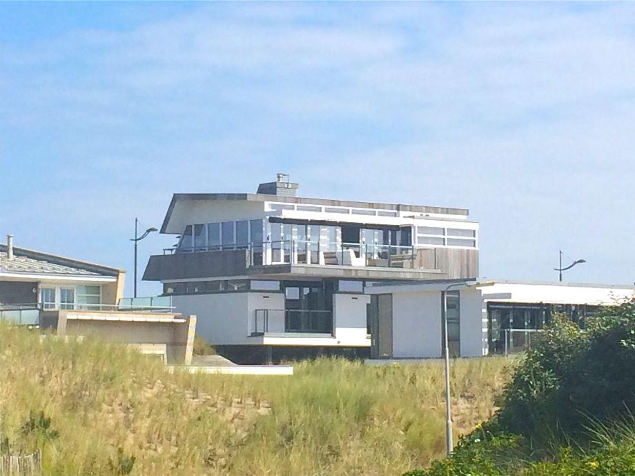 Die Außenansicht der Strandvilla Noord