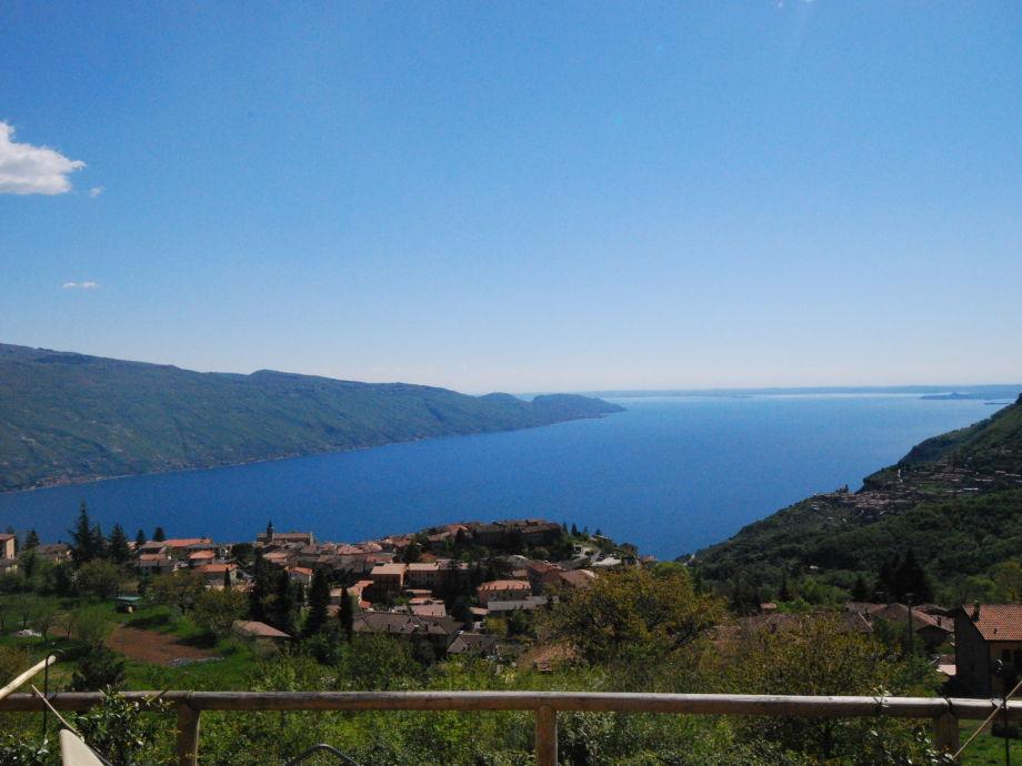 Traumhafter Blick auf den See und die Umgebung