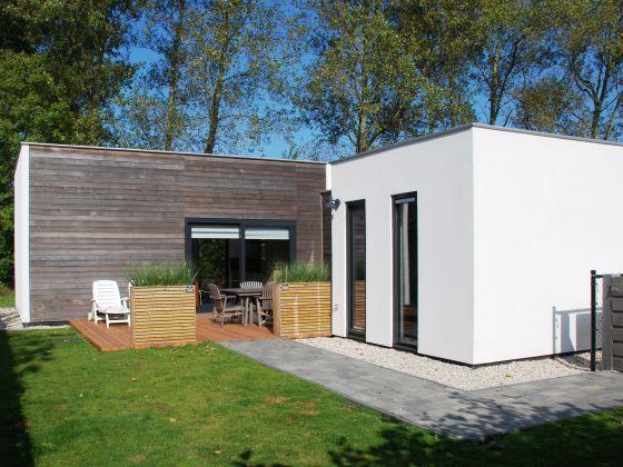 ferienhaus designbungalow 140 zeeland frau simone romijn. Black Bedroom Furniture Sets. Home Design Ideas