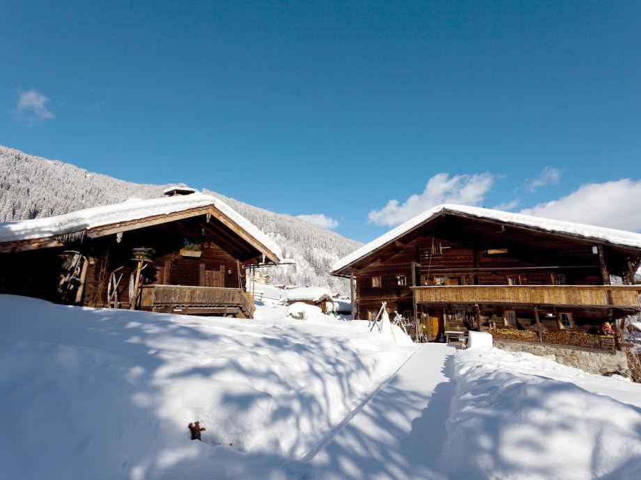 Häusl (5 Personen) und Hütte von DAMALS (15 Personen)
