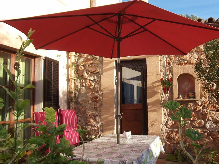 Terrasse und Eingang zur Ferienwohnung