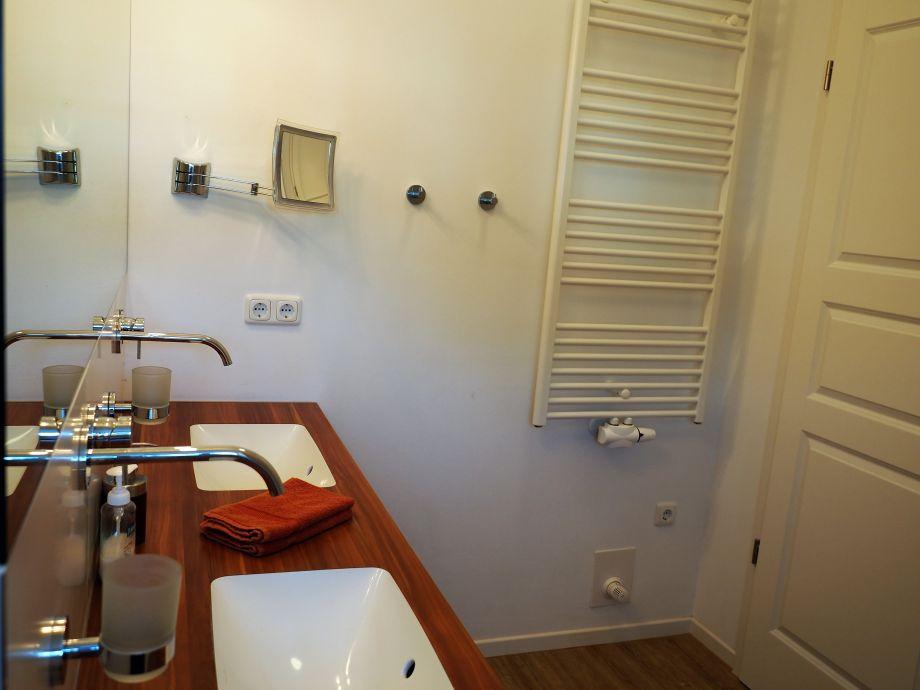 ferienwohnung les belles romantique fischland dar. Black Bedroom Furniture Sets. Home Design Ideas