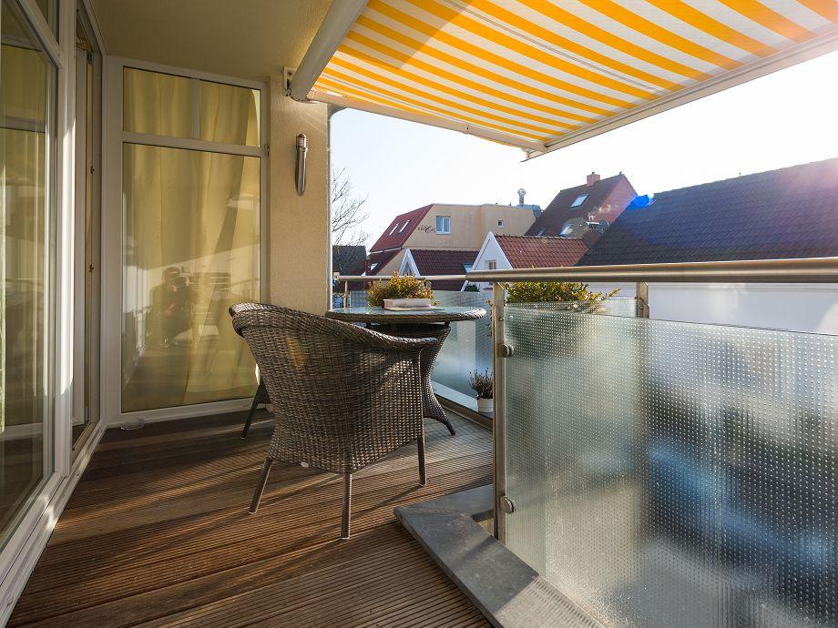 Ferienwohnung sonneninsel haus ruth norderney firma for Markise balkon mit tapeten von hammer
