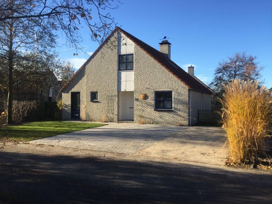 Ferienhaus Möwennest mit 3 Parkplätzen vor dem Haus
