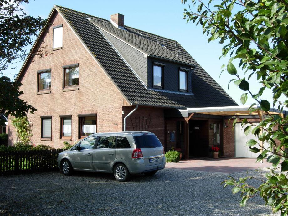 Haus Osterkoogstr. mit Parkplatz