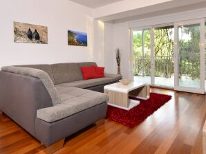 Apartment Pia in Makarska