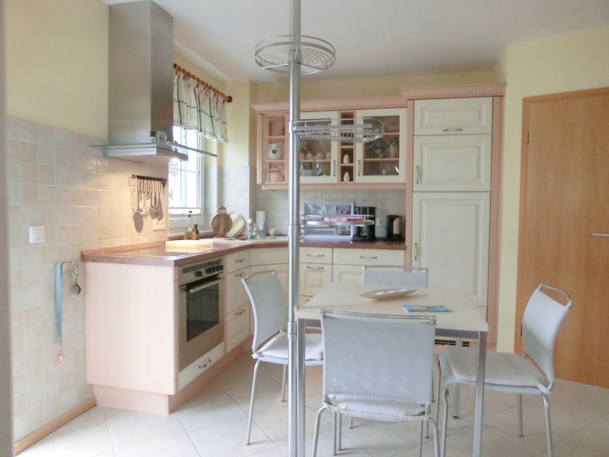 ferienwohnung d nenresi lindenweg usedom familie bartenbach. Black Bedroom Furniture Sets. Home Design Ideas